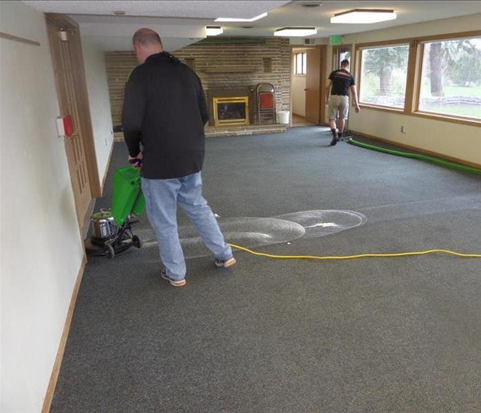 How do you clean commercial carpets? Before